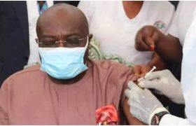 Abia state Governor Okezie Ikpeazu takes first dose of COVID-19 vaccine, urge Abians to follow suit