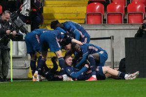 Arsenal players in celebration after Alexandra Lacazette goal